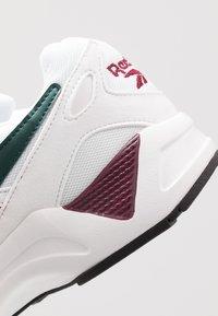 Reebok Classic - AZTREK 96 - Sneakers laag - white/pantone - 5
