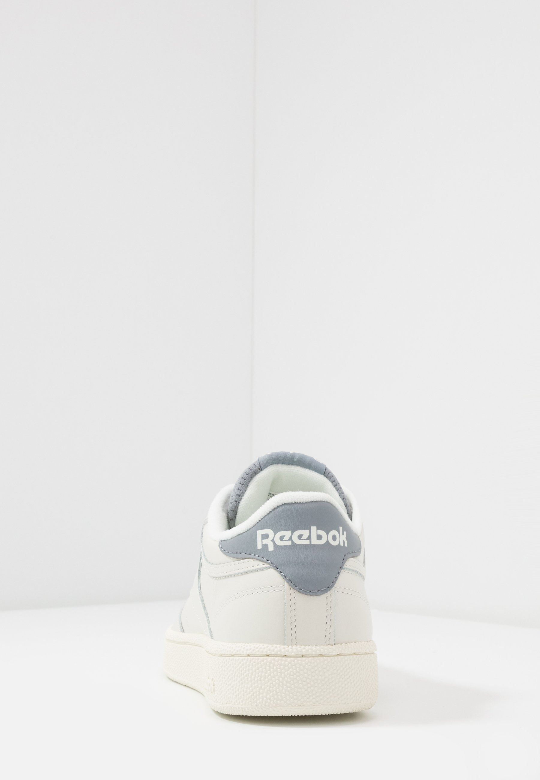Reebok Classic CLUB C 85 - Baskets basses - chalk/cold grey/radiant red