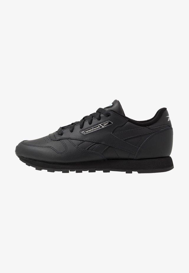 CL - Sneakers - black/white/silver metallic
