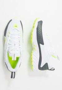 Reebok Classic - DMX SERIES 2200 - Sneakersy niskie - white/true grey/solar yellow - 1