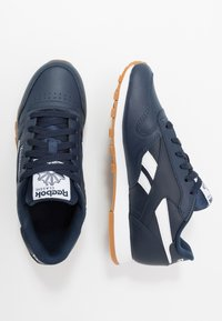 Reebok Classic - Sneakers basse - collegiate navy/white - 1