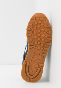 Reebok Classic - Sneakers basse - collegiate navy/white - 4