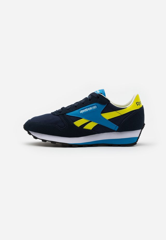 Trainers - collegiate navy/easy blue/hyper green