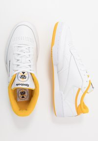 Reebok Classic - CLUB C 85 - Trainers - white/fierce gold/black - 1