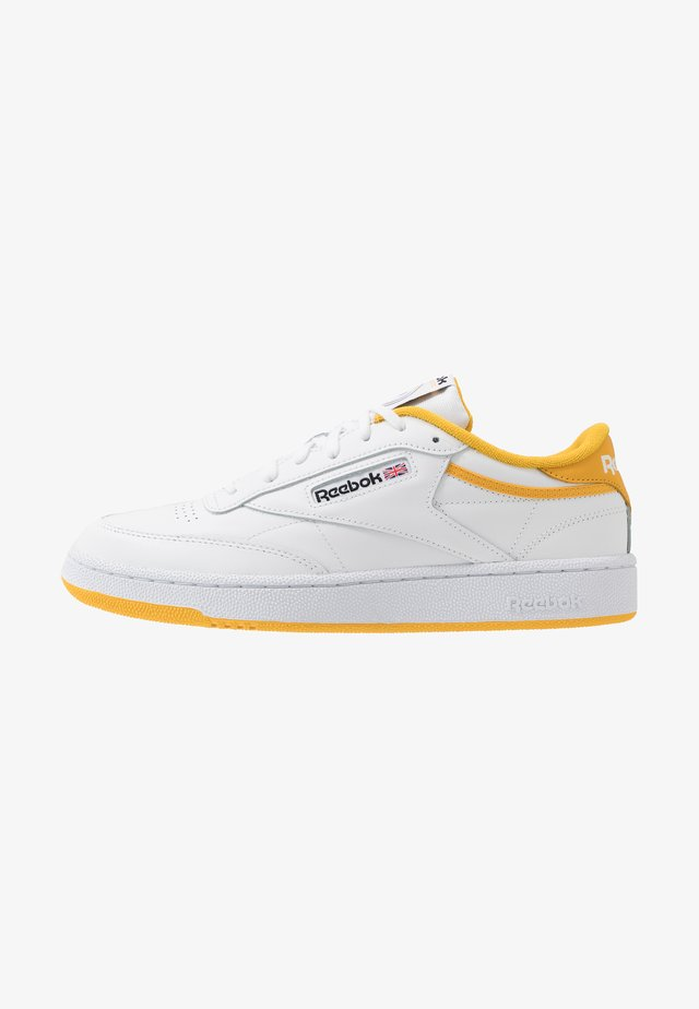 CLUB C 85 - Sneakersy niskie - white/fierce gold/black