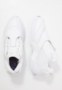 Reebok Classic - ANSWER V - Trainers - white - 1