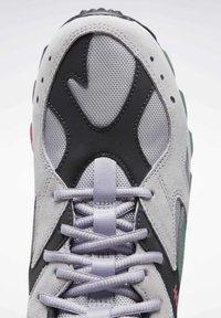 Reebok Classic - AZTREK 93 ADVENTURE SHOES - Sneakers - sterling grey - 6