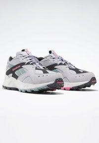 Reebok Classic - AZTREK 93 ADVENTURE SHOES - Sneakers - sterling grey - 2