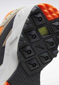 Reebok Classic - AZTREK 93 ADVENTURE SHOES - Sneakers - modern beige - 6