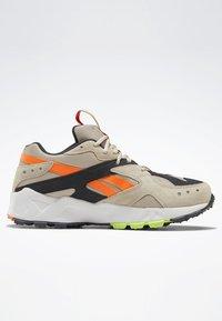 Reebok Classic - AZTREK 93 ADVENTURE SHOES - Sneakers - modern beige - 5