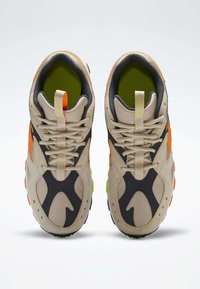 Reebok Classic - AZTREK 93 ADVENTURE SHOES - Sneakers - modern beige - 1