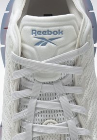 Reebok Classic - ZIG KINETICA - Baskets basses - grey - 5
