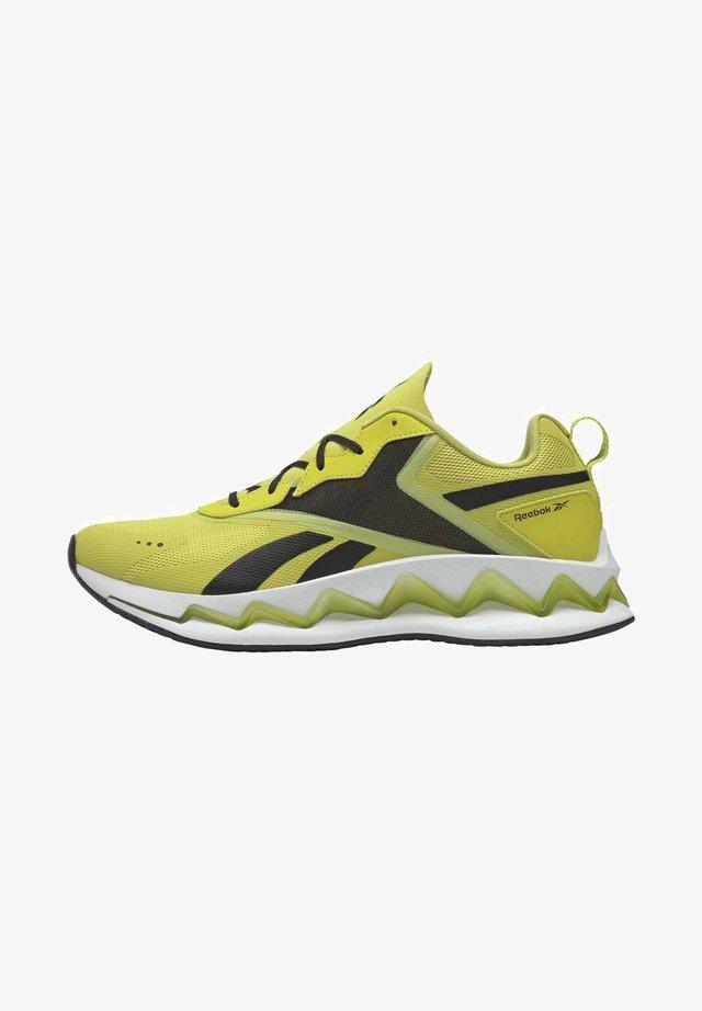 ZIG ELUSION ENERGY SHOES - Sneakers - green