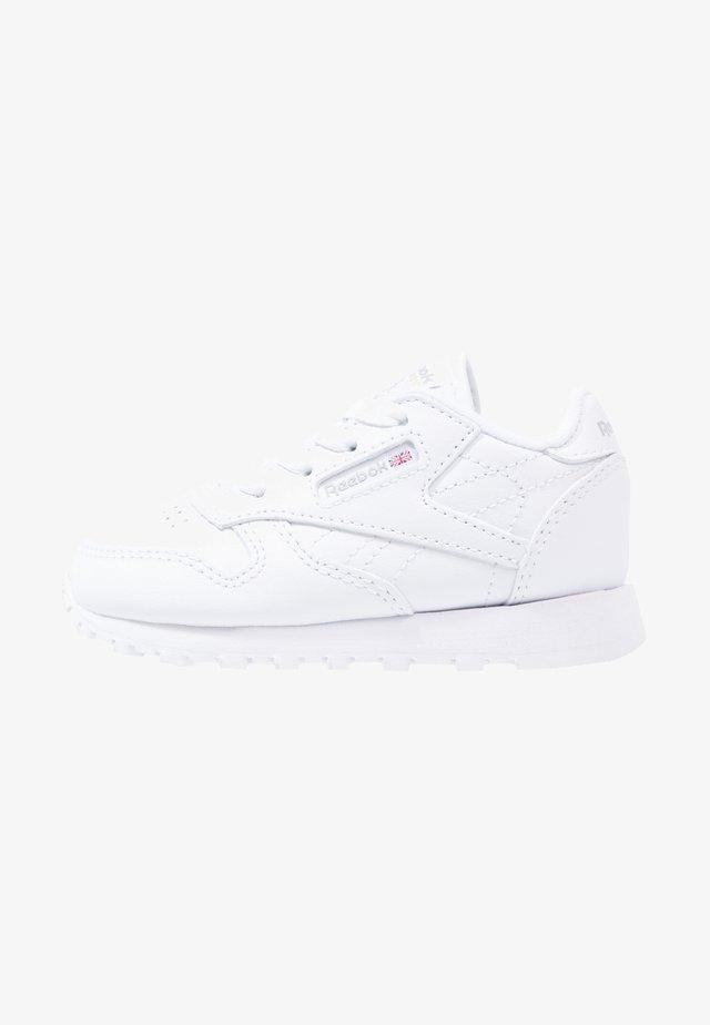 CLASSIC - Lauflernschuh - white