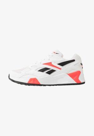 AZTREK 96 - Zapatillas - white/porcelain/neon