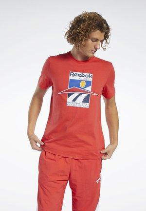 CLASSICS INTERNATIONAL TEE - T-Shirt print - red