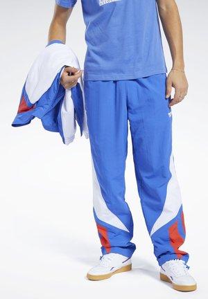 CLASSICS TWIN VECTOR TRACK PANTS - Verryttelyhousut - blue