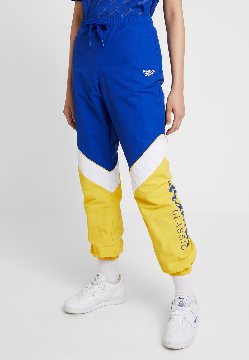 Reebok Classic - TRACKPANTS - Tracksuit bottoms - cobalt