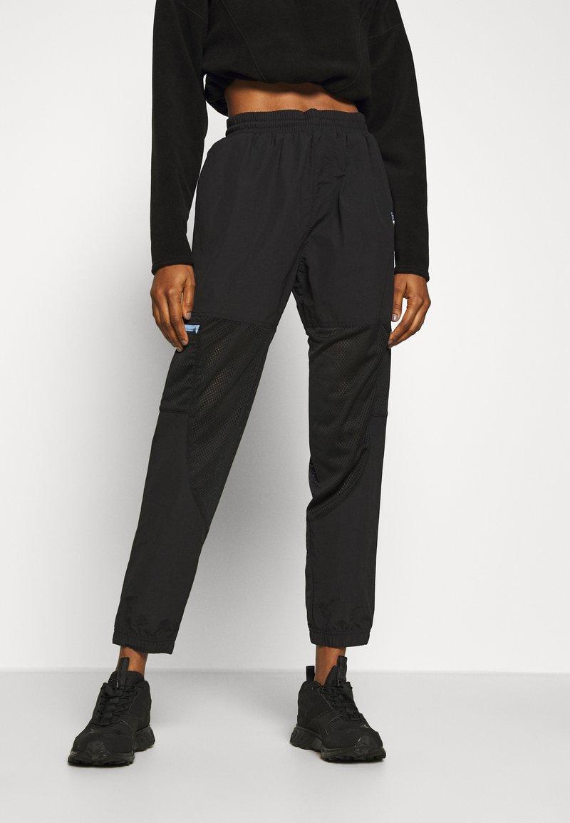 Reebok Classic - POCKET PANTS - Pantaloni sportivi - black