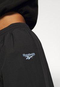 Reebok Classic - POCKET PANTS - Pantaloni sportivi - black - 6