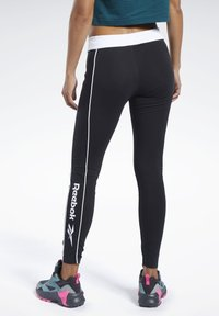 Reebok Classic - CLASSICS LINEAR LEGGINGS - Leggings - Trousers - black - 2