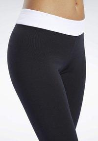 Reebok Classic - CLASSICS LINEAR LEGGINGS - Leggings - Trousers - black - 5