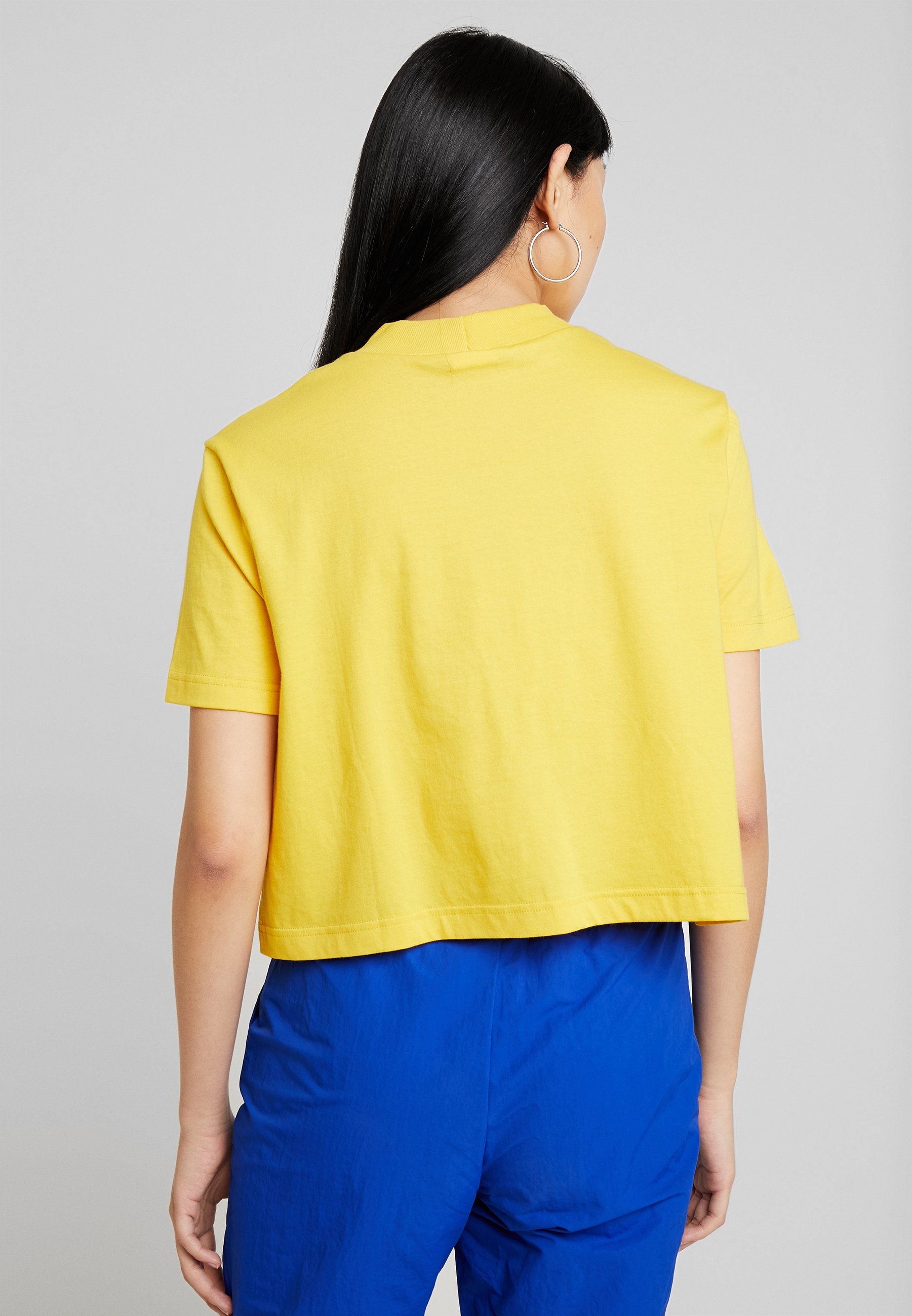 Classic Reebok Toxic shirt Yellow TeeT Imprimé Cropeed iTOPkZuX
