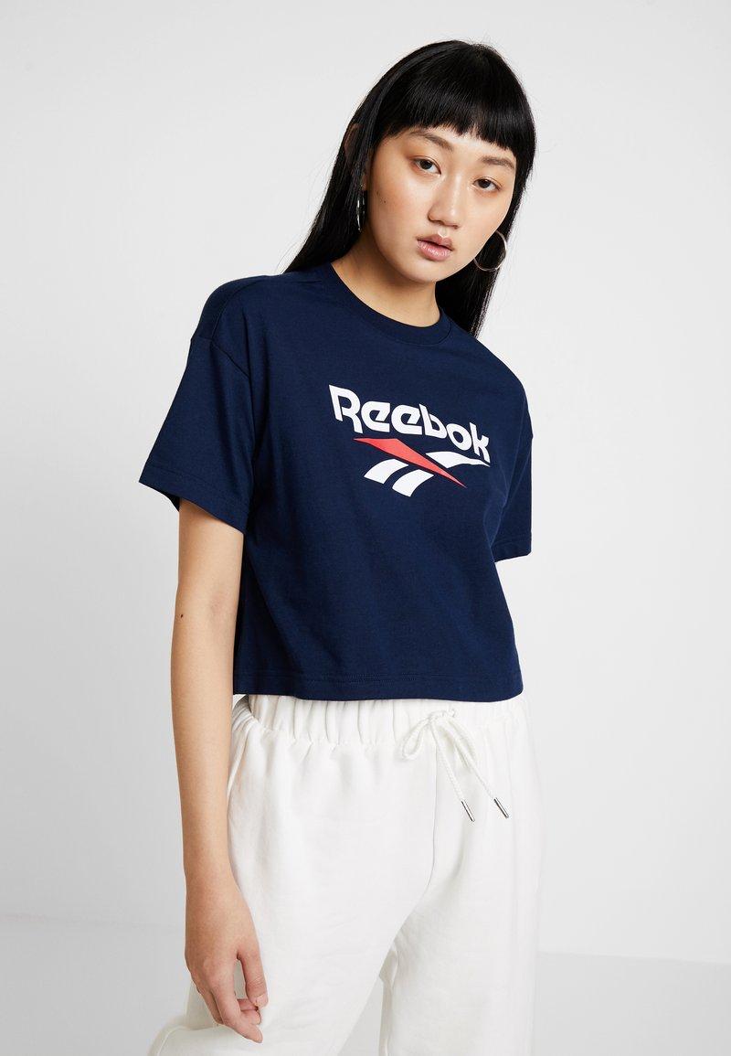 Reebok Classic - CROP TEE - T-shirt print - collegiate navy