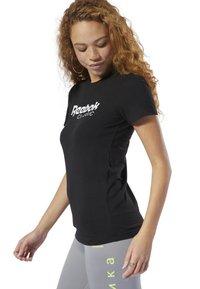 Reebok Classic - CLASSICS REEBOK TEE - T-shirt con stampa - black - 2