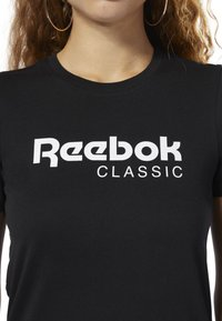 Reebok Classic - CLASSICS REEBOK TEE - T-shirt con stampa - black - 3