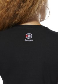 Reebok Classic - CLASSICS REEBOK TEE - T-shirt con stampa - black - 4
