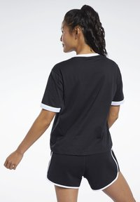 Reebok Classic - CLASSICS LINEAR TEE - T-shirts med print - black - 2