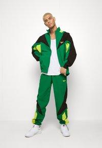 Reebok Classic - TWIN VECTOR - Giacca sportiva - green - 1