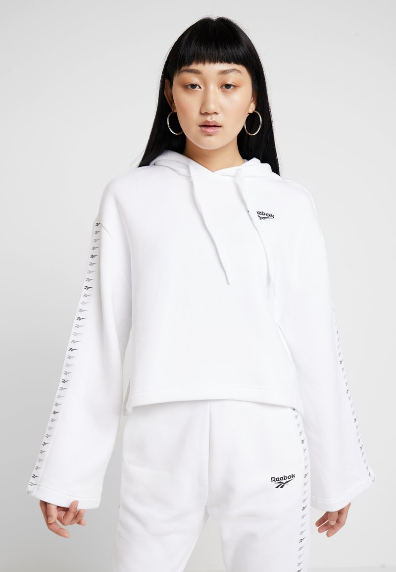 Reebok Classic - VECTOR GRAPHIC PULLOVER - Hoodie - white