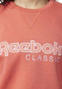 Reebok Classic - REEBOK CLASSICS FLEECE SWEATSHIRT - Sweatshirt - pink - 3