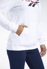 Reebok Classic - Bluza z kapturem - white - 5