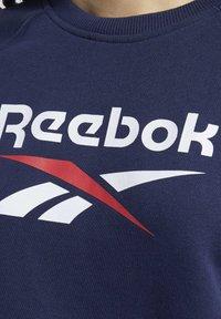 Reebok Classic - CLASSICS BIG VECTOR CREW SWEATSHIRT - Sweatshirt - blue - 4