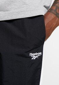 Reebok Classic - TRACKPANT - Träningsbyxor - black - 4