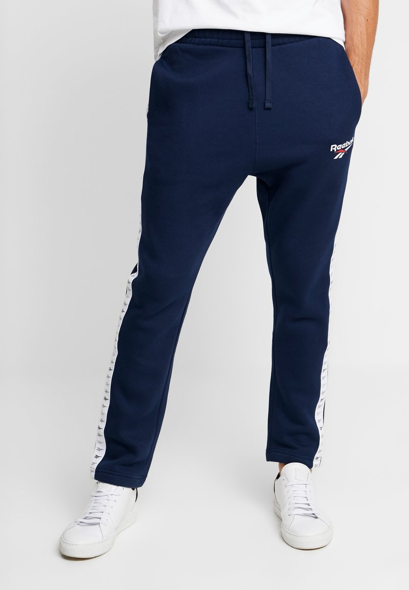 Reebok Classic - VECTOR JOGGING PANTS - Tracksuit bottoms - collegiate navy
