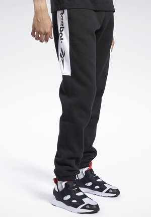 CLASSICS LINEAR PANTS - Tracksuit bottoms - black