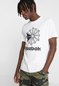 Reebok Classic - BIG LOGO TEE - Print T-shirt - white - 0