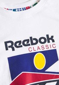 Reebok Classic - SPORT TEE - T-Shirt print - white - 2