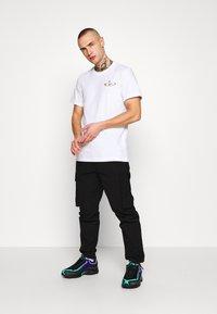 Reebok Classic - TEE - T-shirt print - white - 1
