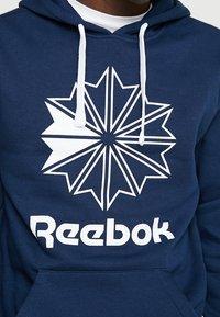 Reebok Classic - BIG LOGO HOODIE - Hoodie - conavy - 5