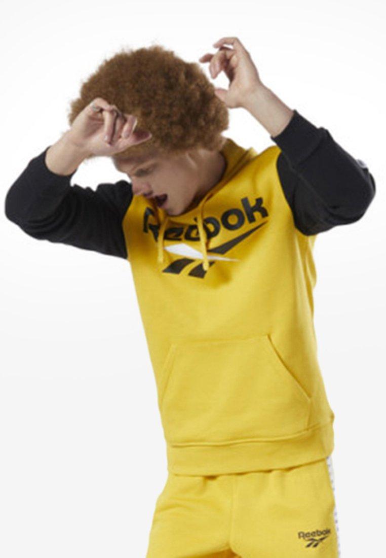 Reebok Classic - CLASSICS VECTOR HOODIE - Kapuzenpullover - toxic yellow