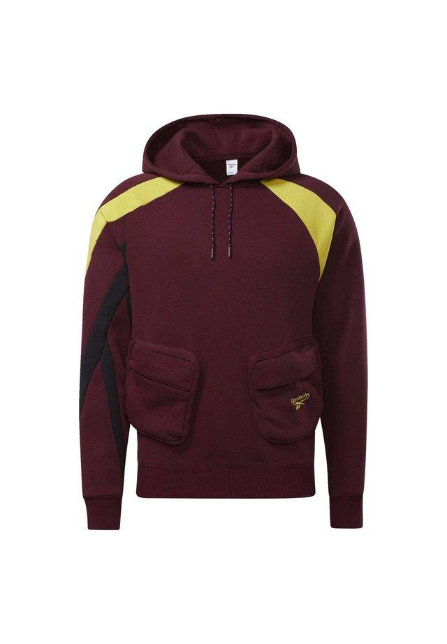 CLASSICS POCKET HOODIE - Bluza z kapturem - burgundy