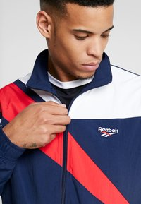Reebok Classic - TRACK TOP LIGHT FULL ZIPPER - Kurtka wiosenna - collegiate navy - 5