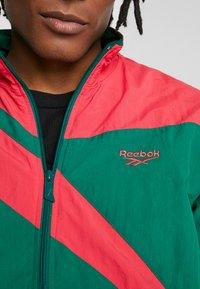 Reebok Classic - TRACK TOP LIGHT FULL ZIPPER - Kurtka wiosenna - clover green - 5