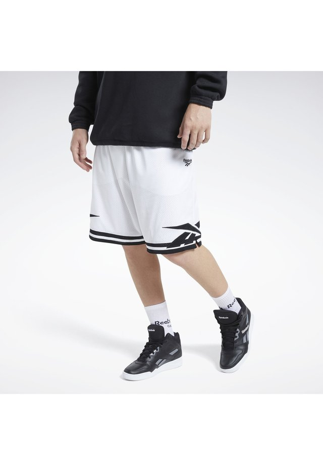 CLASSICS BASKETBALL SHORTS - Krótkie spodenki sportowe - white