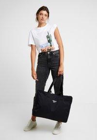 Reebok Classic - DUFFLE - Sports bag - black - 5